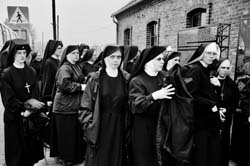 nuns-at-auschwitz.jpg